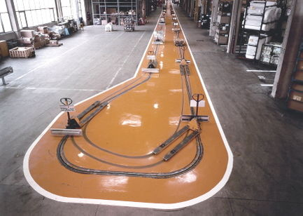 Stark beanspruchter Industrieboden in der Warenlogistik